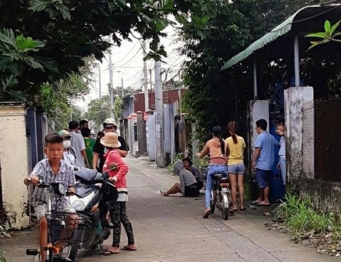 Cô gái bị cướp xe máy, kéo lê hàng chục mét ở Đồng Nai - Ảnh 1.