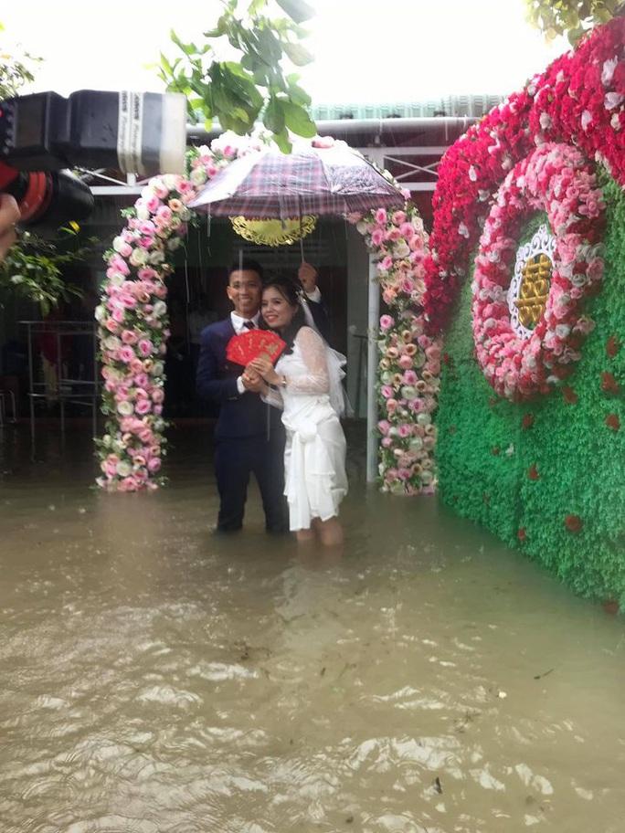 CIP: Xóm làng xứ Quảng giải cứu 55 mâm cỗ cưới bị ế do mưa lũ - Ảnh 4.