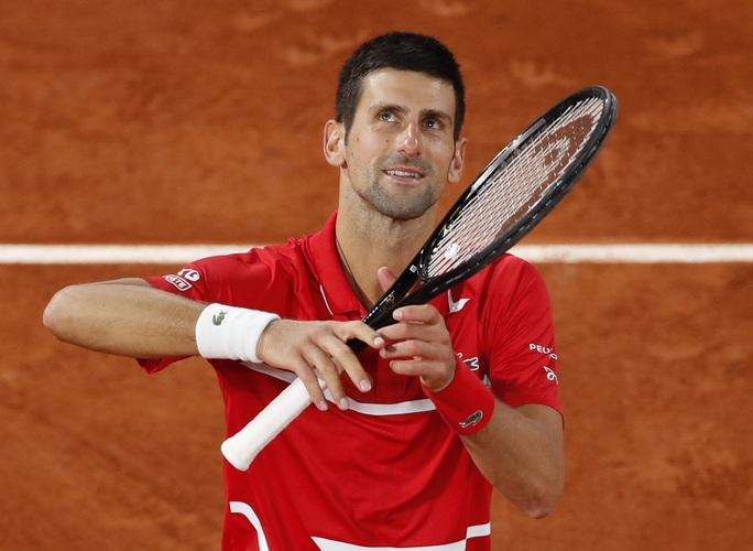 Đánh bại tài năng Hy Lạp, Djokovic hẹn chung kết với Rafael Nadal - Ảnh 5.