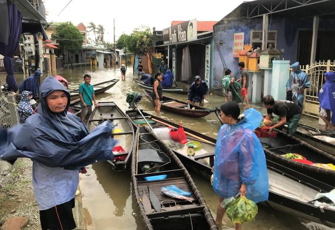 Lũ lụt miền Trung: Hơn 24.000 căn nhà ở Huế ngập nặng, nhiều nơi lũ xuất hiện sau 21 năm - Ảnh 7.