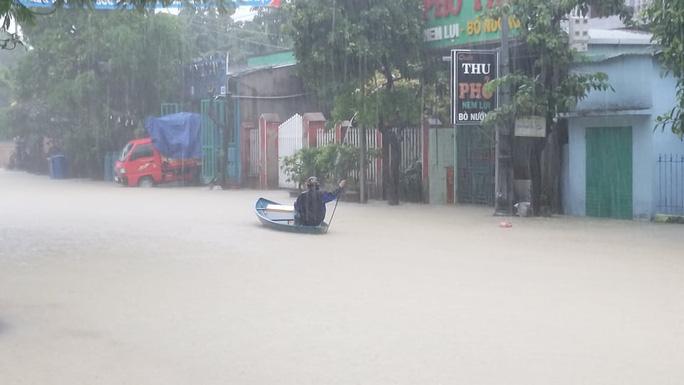 Mưa lớn, 3 thủy điện đang xả hơn 1.890 m3 nước/giây, Quảng Nam yêu cầu sơ tán dân - Ảnh 7.