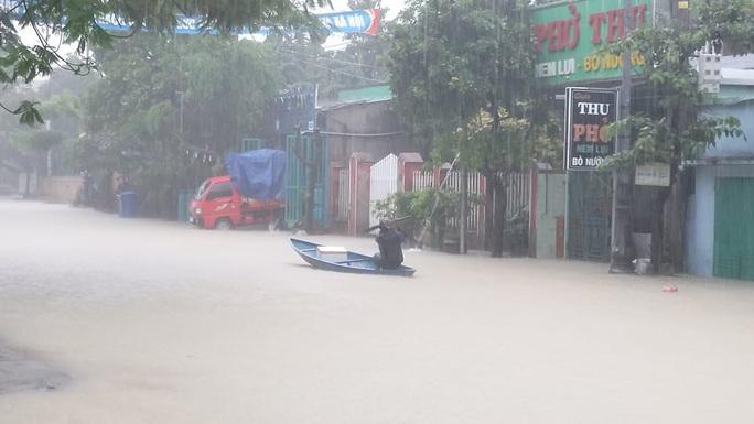 Mưa lớn, 3 thủy điện đang xả hơn 1.890 m3 nước/giây, Quảng Nam yêu cầu sơ tán dân - Ảnh 8.