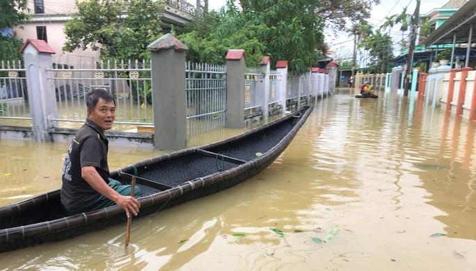 Lũ lụt miền Trung: Hơn 24.000 căn nhà ở Huế ngập nặng, nhiều nơi lũ xuất hiện sau 21 năm - Ảnh 2.