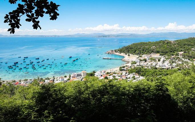 Xã đảo Nhơn Châu chính thức có điện quốc gia - Ảnh 3.
