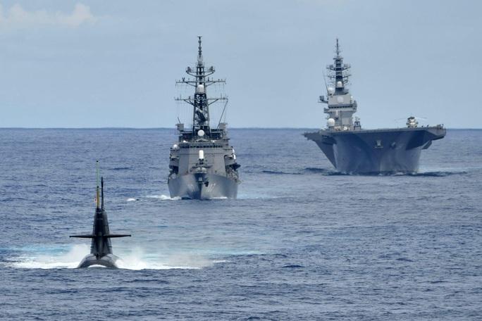 Nhóm tàu chiến Nhật Bản tập trận chống ngầm ở biển Đông - Ảnh 1.