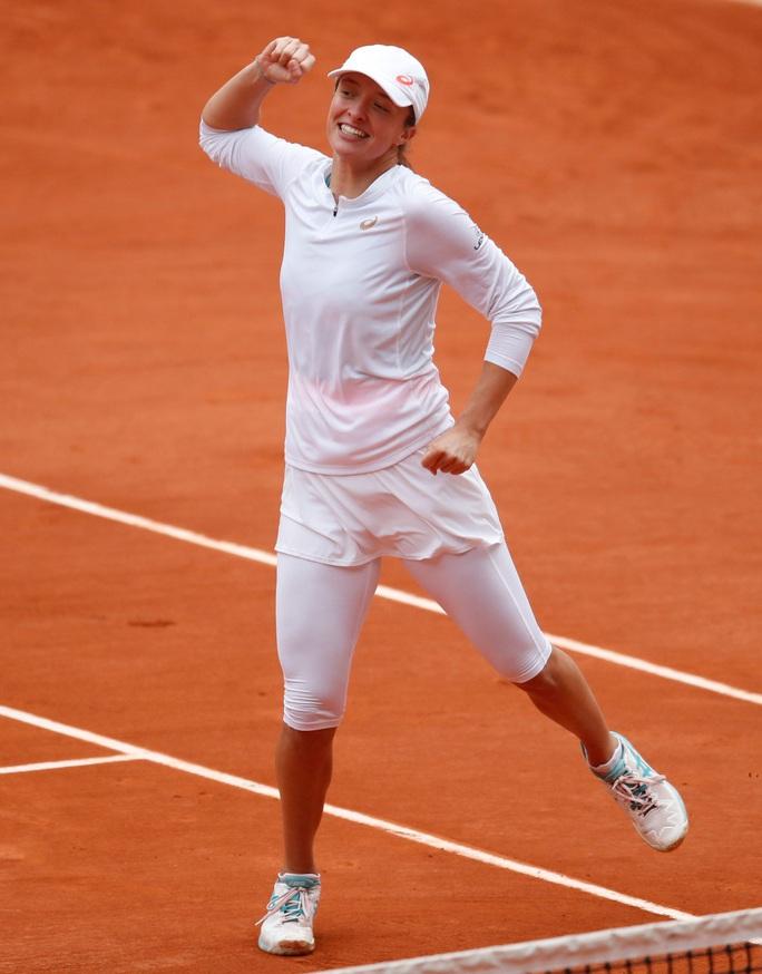 Học quần vợt qua game, Swiatek vẫn trở thành Nữ hoàng Roland Garros 2020 - Ảnh 5.