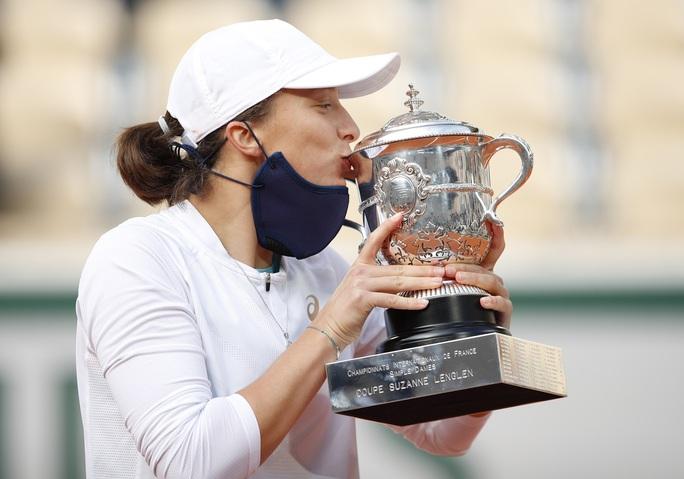 Học quần vợt qua game, Swiatek vẫn trở thành Nữ hoàng Roland Garros 2020 - Ảnh 9.