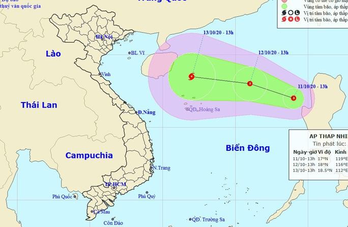 Bão số 6 chưa tan lại xuất hiện áp thấp nhiệt đới mới trên Biển Đông - Ảnh 1.