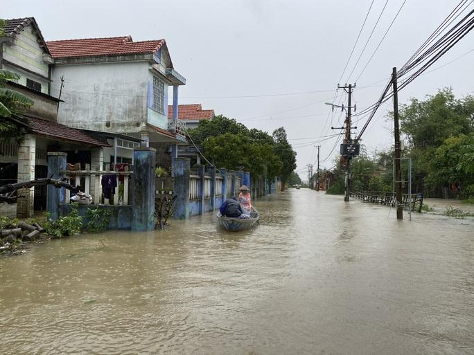 Đà Nẵng cho học sinh nghỉ học từ chiều 27-10 để phòng tránh bão số 9 - Ảnh 1.