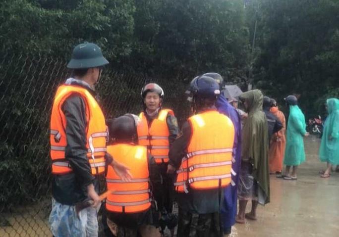 Đà Nẵng: Đi bắt kỳ nhông, một thanh niên bị lũ cuốn mất tích - Ảnh 2.