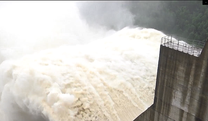 NÓNG: Thủy điện Đak Mi 4 có thể xả lũ đến 11.400 m3/giây, Quảng Nam đối diện lũ lịch sử - Ảnh 2.