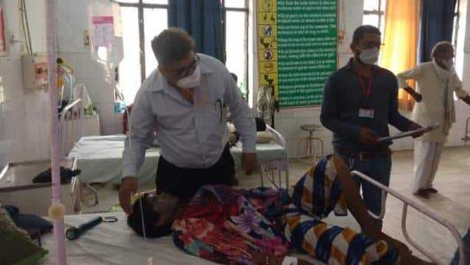 Trèo vào nhà tạt axit 3 chị em gái đang ngủ ở Ấn Độ - Ảnh 1.