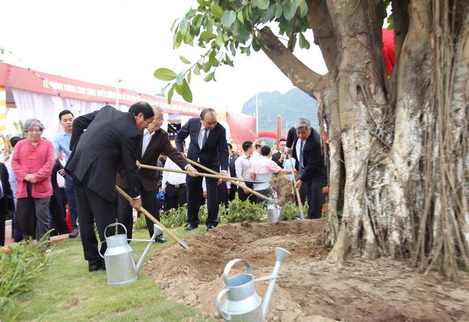 Thủ tướng khánh thành Khu bảo tồn bãi cọc Cao Quỳ - Ảnh 3.
