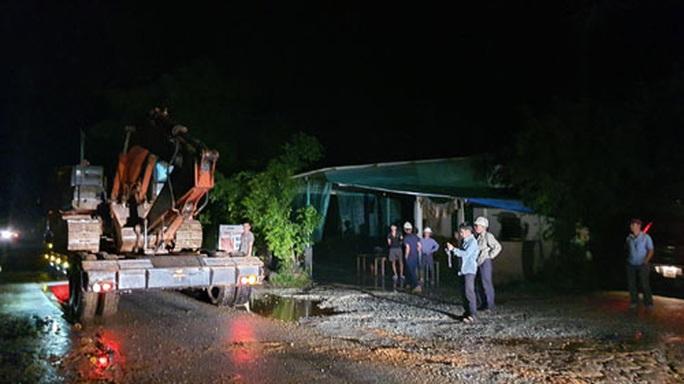Khẩn cấp cứu 30 người mất tích ở Rào Trăng 3 - Ảnh 2.
