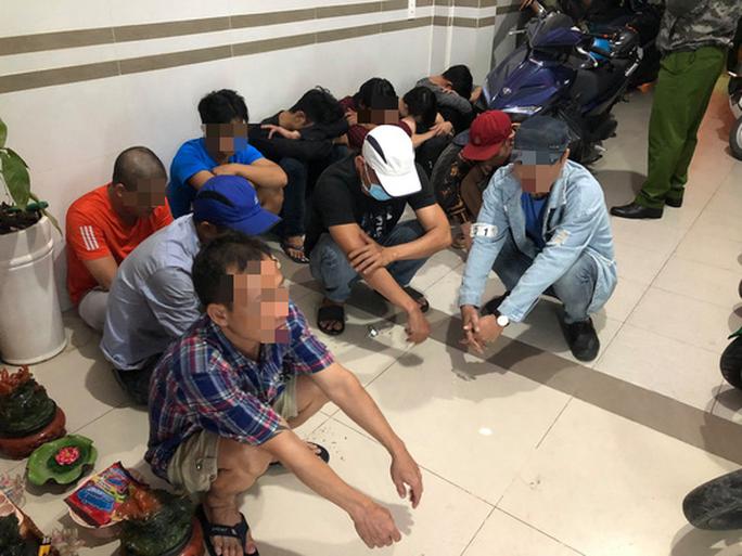 Phát hiện hàng chục người trác táng trong khách sạn ở Bình Tân, TP HCM - Ảnh 1.