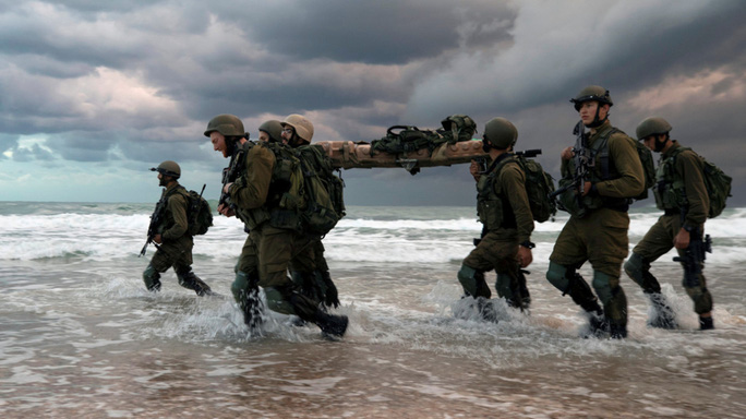 Binh sĩ Israel đánh nhau tranh chỗ ăn, 21 người bị thương - Ảnh 1.