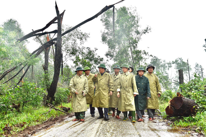 Đưa được 5 người bị thương ở Rào Trăng 4 cấp cứu, vẫn còn 30 người mất tích - Ảnh 7.