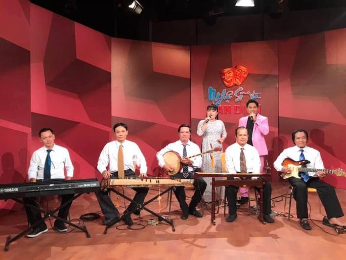 Mai Vàng nhân ái thăm 2 NSƯT - nhạc sĩ Hoàng Thành và Minh Tâm - Ảnh 2.