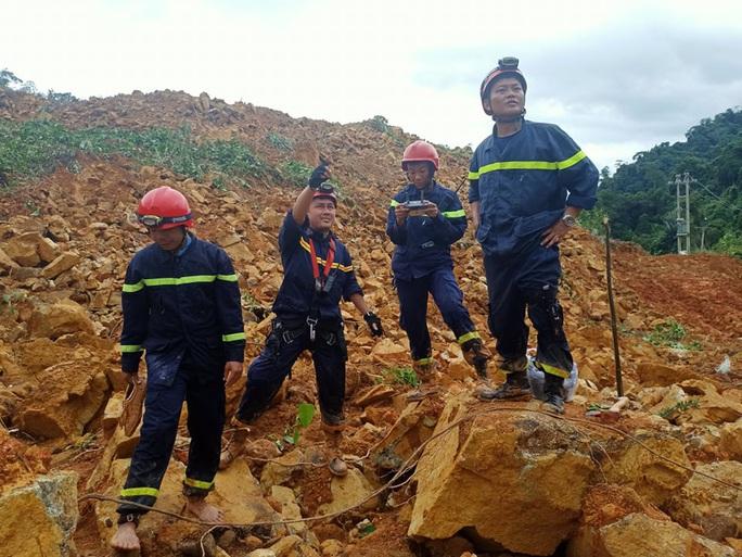 Tìm thấy thi thể Thiếu tướng Nguyễn Văn Man và 12 người khác gặp nạn ở tiểu khu 67 - Ảnh 12.