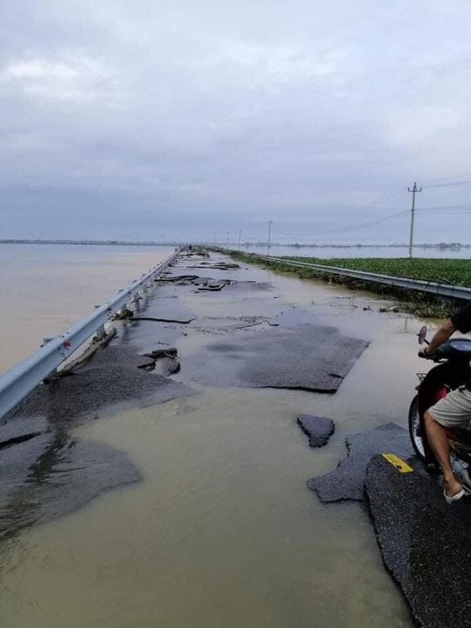 Quốc lộ 49B hư hỏng nặng - Ảnh 8.
