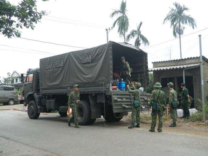 NÓNG: Các lực lượng cứu hộ lên đường vào thủy điện Rào Trăng 3 cứu người - Ảnh 5.