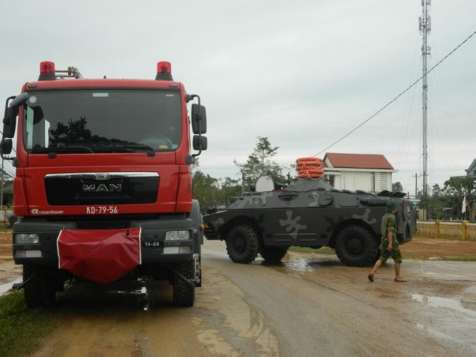 NÓNG: Các lực lượng cứu hộ lên đường vào thủy điện Rào Trăng 3 cứu người - Ảnh 13.