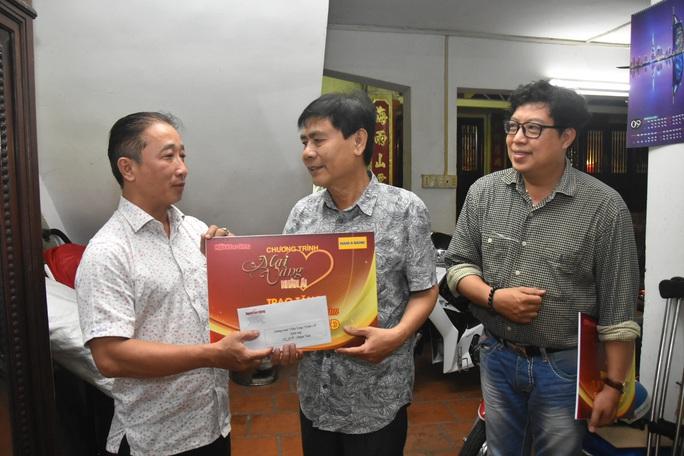 Mai Vàng nhân ái thăm 2 NSƯT - nhạc sĩ Hoàng Thành và Minh Tâm - Ảnh 6.