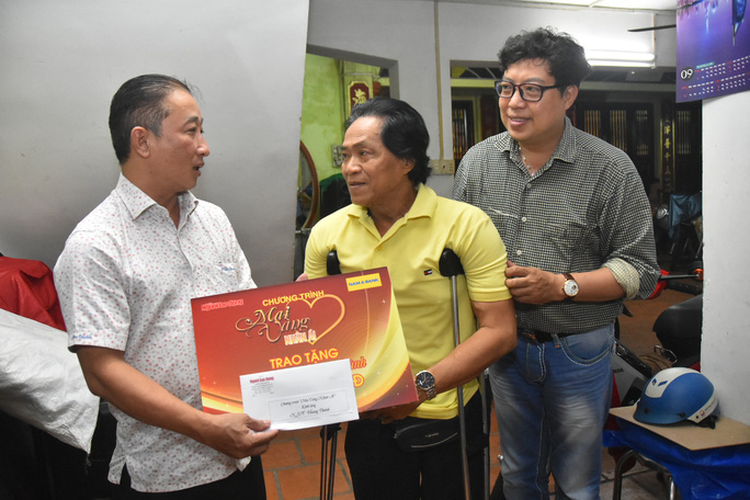 Mai Vàng nhân ái thăm 2 NSƯT - nhạc sĩ Hoàng Thành và Minh Tâm - Ảnh 4.
