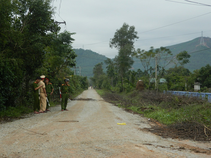 NÓNG: Các lực lượng cứu hộ lên đường vào thủy điện Rào Trăng 3 cứu người - Ảnh 11.