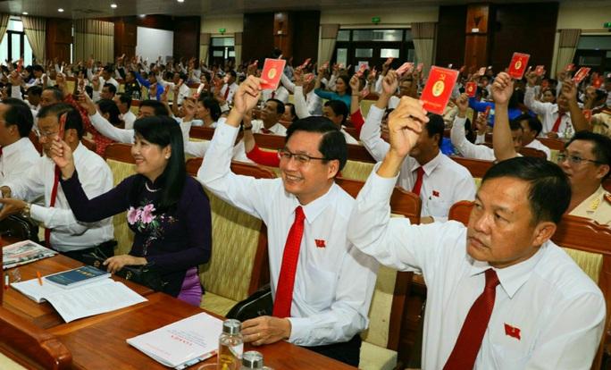 Ông Lê Tiến Châu tái đắc cử Bí thư Tỉnh ủy Hậu Giang - Ảnh 6.