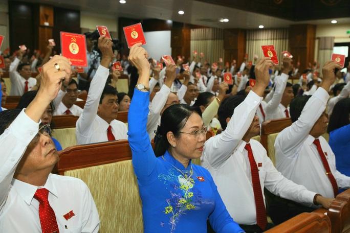 Ông Lê Tiến Châu tái đắc cử Bí thư Tỉnh ủy Hậu Giang - Ảnh 7.
