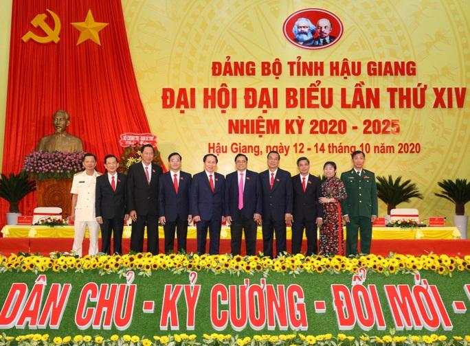 Ông Lê Tiến Châu tái đắc cử Bí thư Tỉnh ủy Hậu Giang - Ảnh 8.