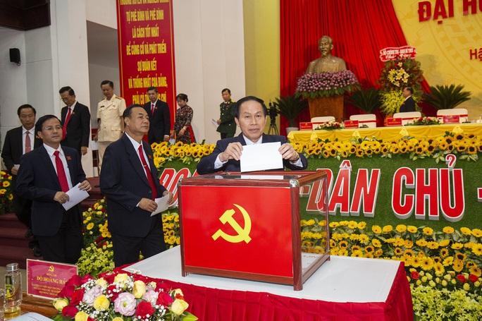 Ông Lê Tiến Châu tái đắc cử Bí thư Tỉnh ủy Hậu Giang - Ảnh 12.