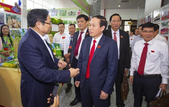 Ông Lê Tiến Châu tái đắc cử Bí thư Tỉnh ủy Hậu Giang - Ảnh 17.