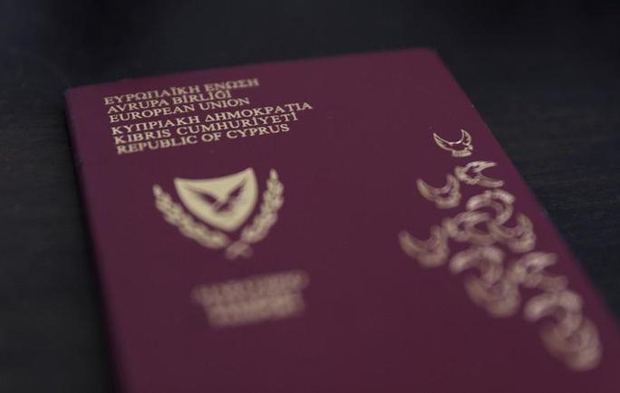 """Cyprus hủy chương trình """"hộ chiếu vàng"""" sau tiết lộ chấn động mới - Ảnh 1."""