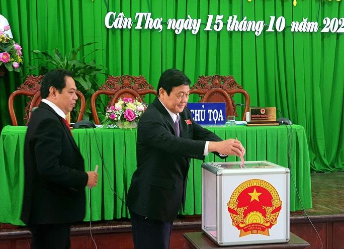 Ông Trần Việt Trường được bầu làm Chủ tịch UBND TP Cần Thơ - Ảnh 1.