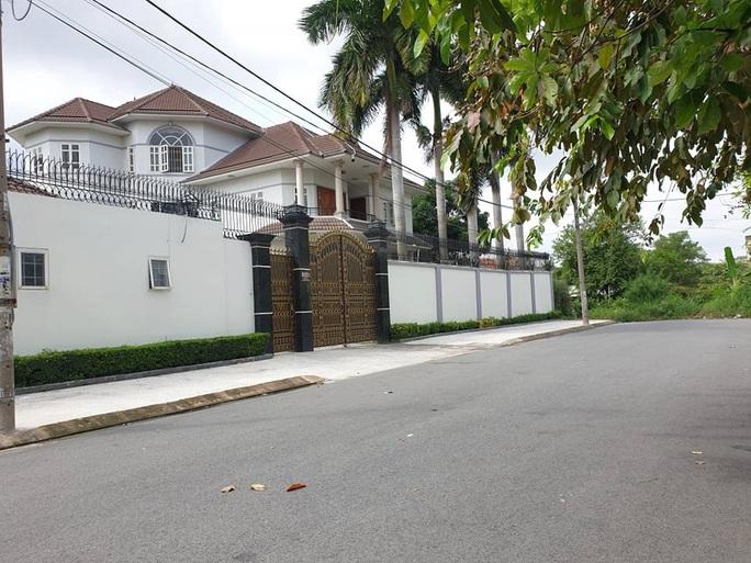 Đột nhập biệt thự trộm tài sản trị giá hơn 700 triệu đồng ở Thủ Đức - Ảnh 1.