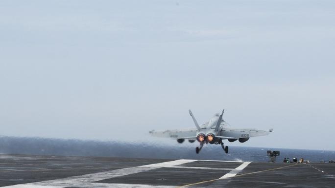 Nhóm tác chiến tàu sân bay Mỹ USS Ronald Reagan trở lại biển Đông - Ảnh 2.