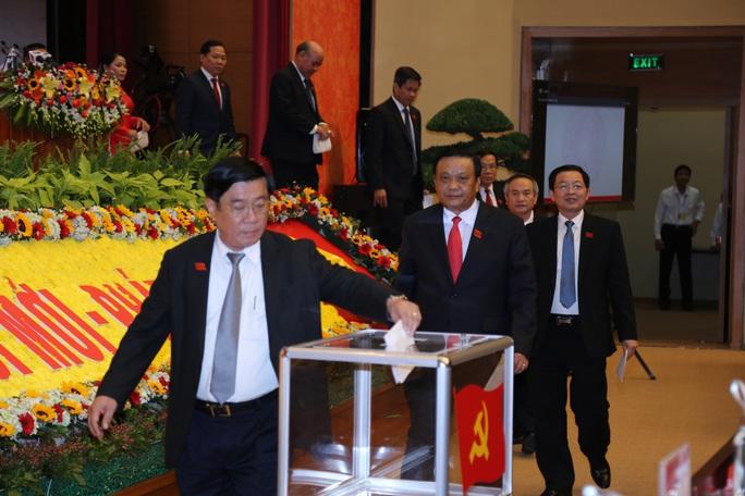 Bình Định công bố danh sách Ban Chấp hành Đảng bộ tỉnh khóa XX - Ảnh 1.