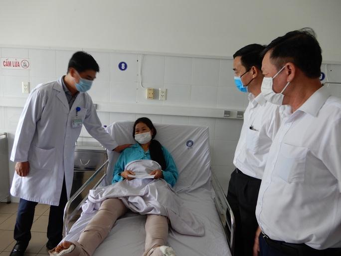 Vụ tai nạn kinh hoàng ở đường tránh Nam Hải Vân: Do tài xế xe khách vượt ẩu - Ảnh 2.