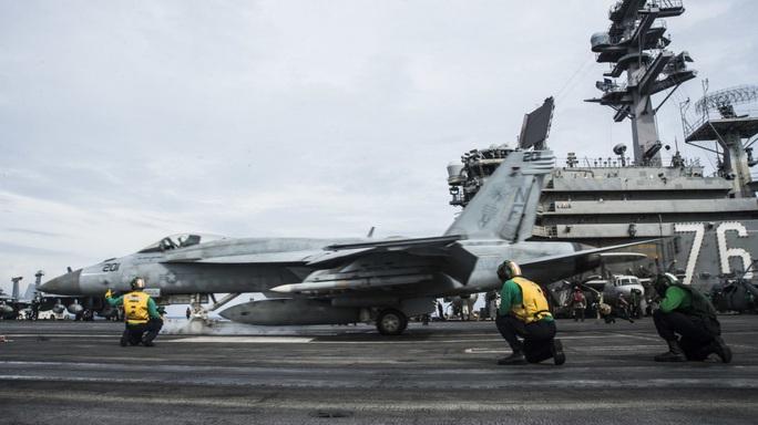 Nhóm tác chiến tàu sân bay Mỹ USS Ronald Reagan trở lại biển Đông - Ảnh 3.