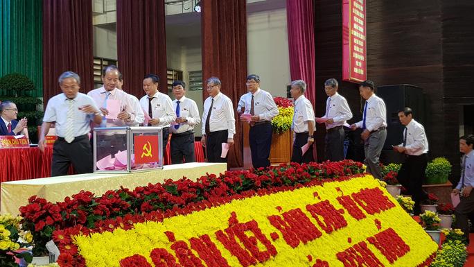 Lãnh đạo Tỉnh ủy Phú Yên có nhiều gương mặt mới - Ảnh 5.