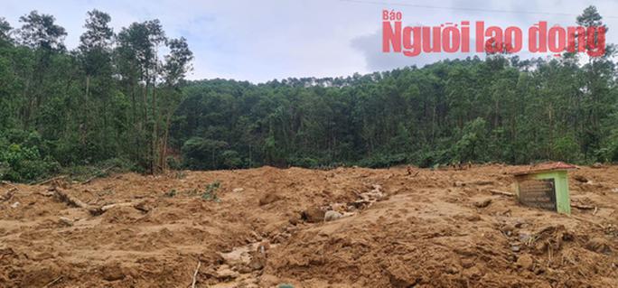 Vụ Rào Trăng 3:  Đã phát hiện một thi thể bị vùi lấp dưới đất đá khu vực sạt lở trạm kiểm lâm 67 - Ảnh 5.