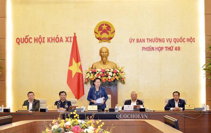 Ủy ban Thường vụ Quốc hội chia sẻ với đồng bào miền Trung - Ảnh 1.