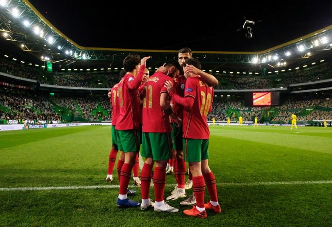 Tân binh Liverpool lập công, Bồ Đào Nha mở đại tiệc chiến thắng tặng Ronaldo - Ảnh 6.