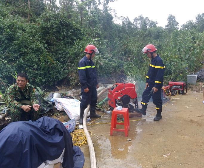 16 công nhân thủy điện Rào Trăng 3 có thể bị mất tích dưới lòng hồ? - Ảnh 5.