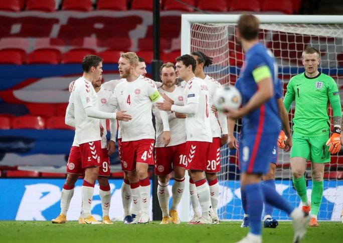 Thua sốc Đan Mạch trên sân nhà, tuyển Anh mất ngôi đầu Nations League - Ảnh 6.