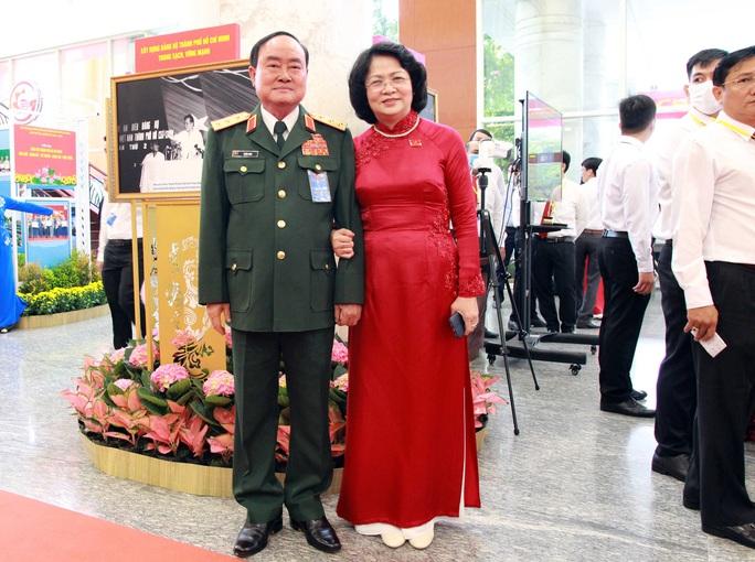 Hình ảnh lãnh đạo, nguyên lãnh đạo Đảng, Nhà nước dự khai mạc Đại hội Đảng bộ TP HCM - Ảnh 10.