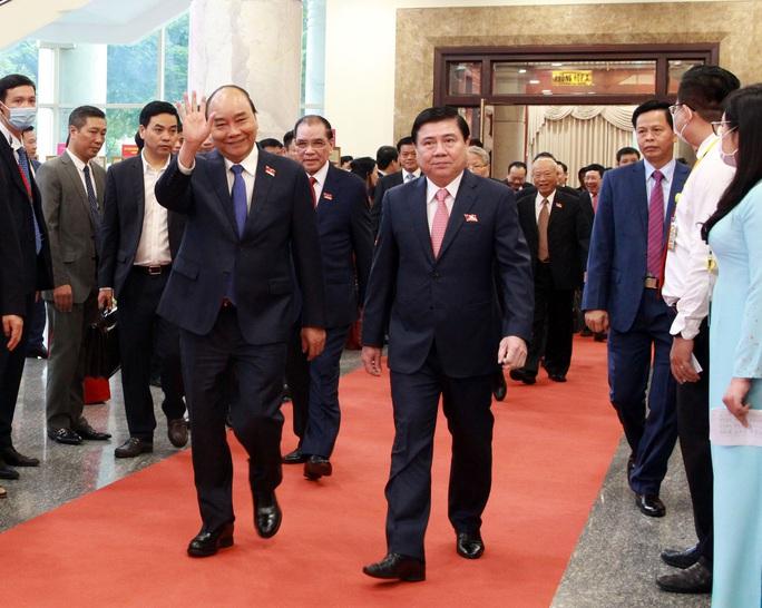 Hình ảnh lãnh đạo, nguyên lãnh đạo Đảng, Nhà nước dự khai mạc Đại hội Đảng bộ TP HCM - Ảnh 2.