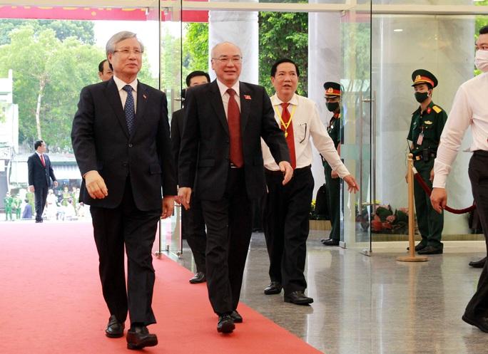 Hình ảnh lãnh đạo, nguyên lãnh đạo Đảng, Nhà nước dự khai mạc Đại hội Đảng bộ TP HCM - Ảnh 4.